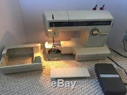 Sears Best Kenmore 158.19141 Zig Zag Heavy Duty Sewing Machine & Foot Pedal